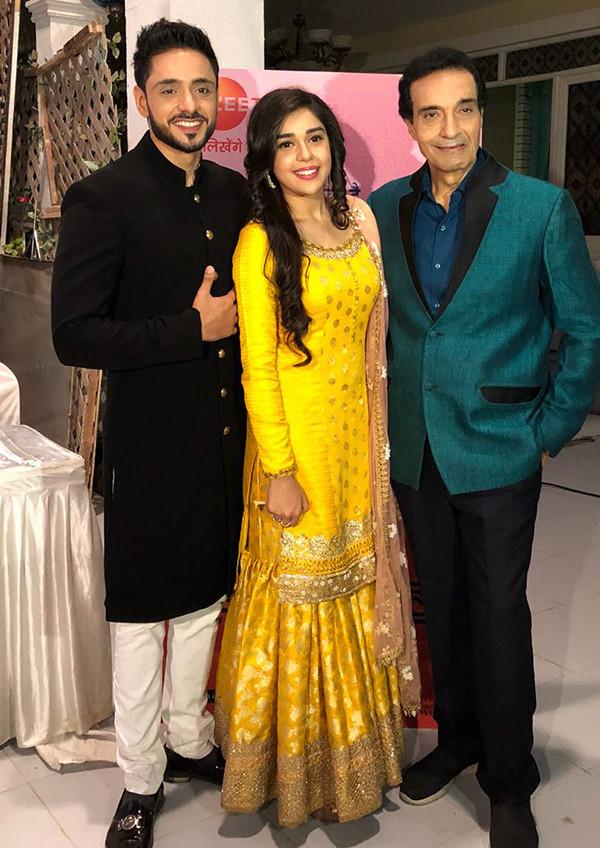 Eisha Singh Adnan Khan And Deeraj Kumar