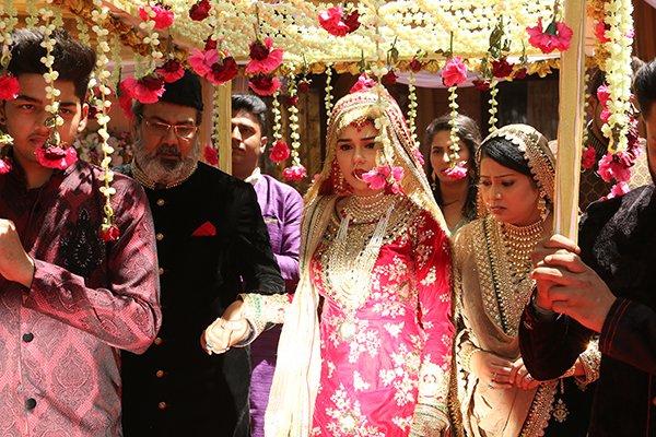 Eisha Singh As Zara For Niqaah In Triple Talaaq