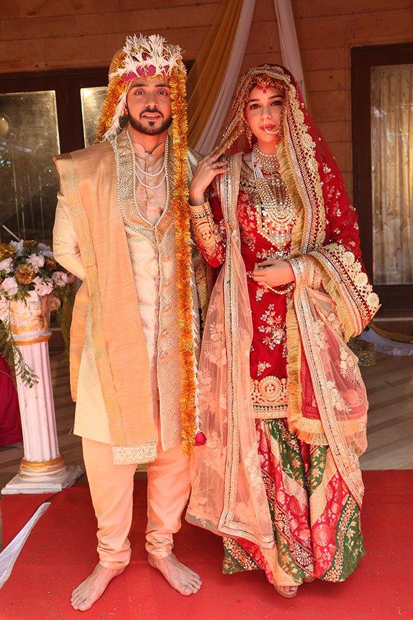 Eisha Singh As Zara and Adnan Khan As Kabeer