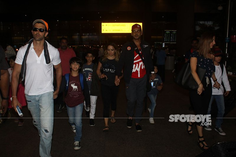 Hrithik Roshan With Family