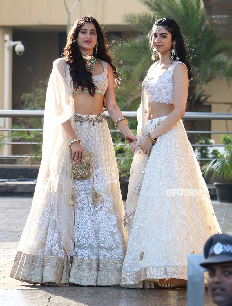 Janhvi And Khushi At Sonam Kapoor s Wedding