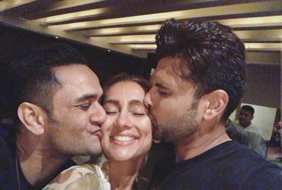 Anusha Dandekar Karan Kundra And Vikas Gupta At Zareen Khan s Birthday