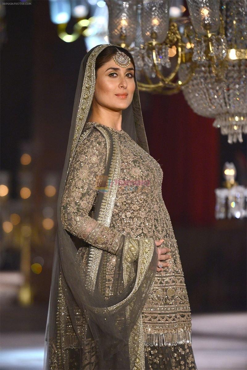 Kareena Kapoor Posing For A Shoot