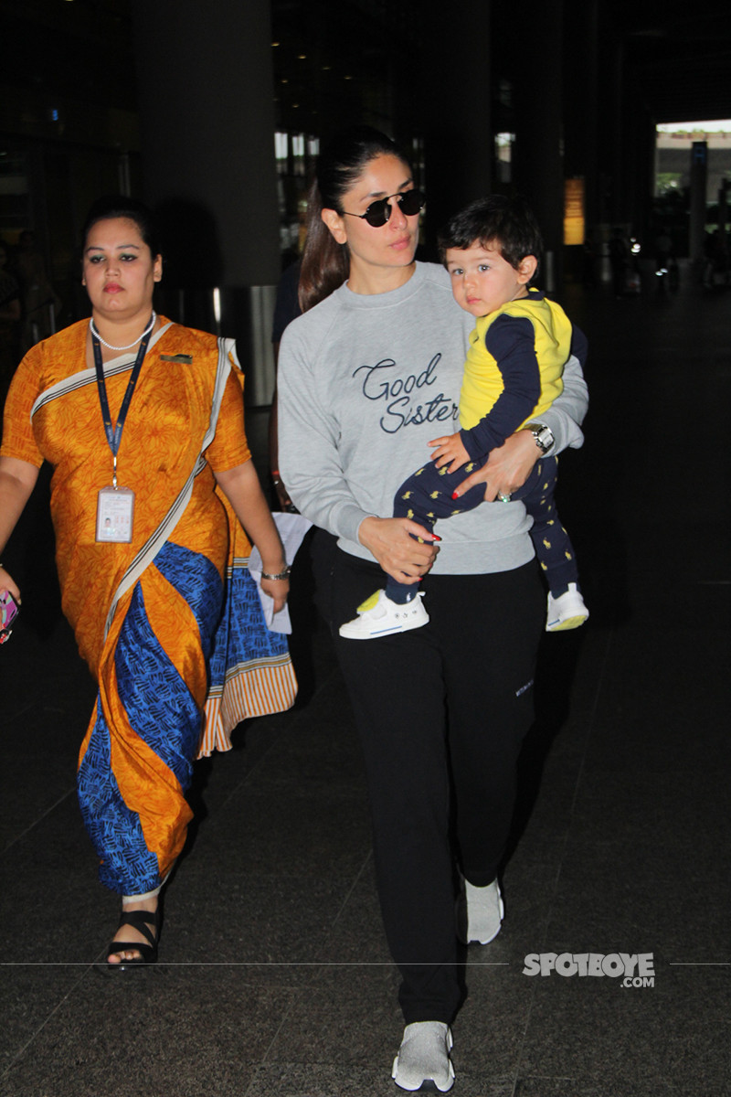 Kareena Kapoor Walks Out Of The Airport With Taimur In Her Arms