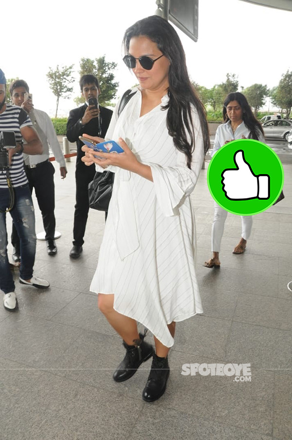 Lara Dutta Spotted At Mumbai Airport