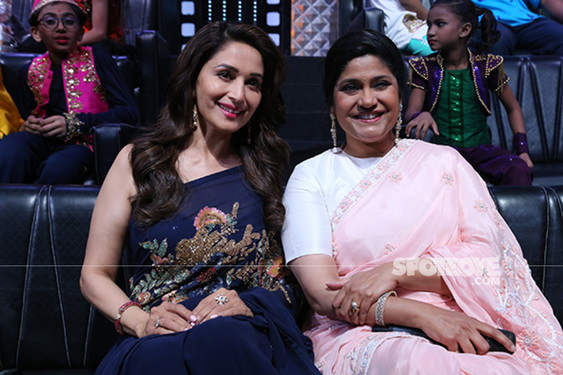 Madhuri Dixit And Renuka Shahane In DID Little Master