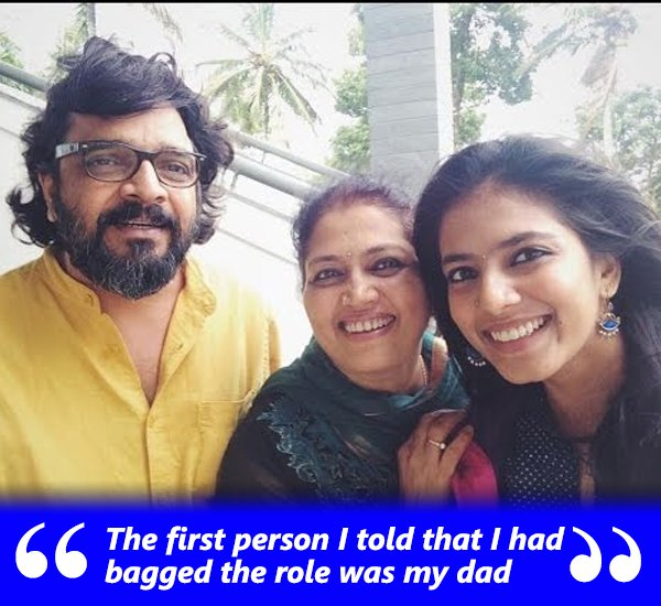 Malavika Mohanan With her family