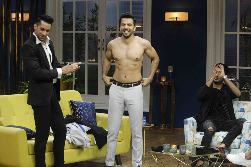 Manit Joura Showing Off His Body On The Sets Of Juzzbaatt