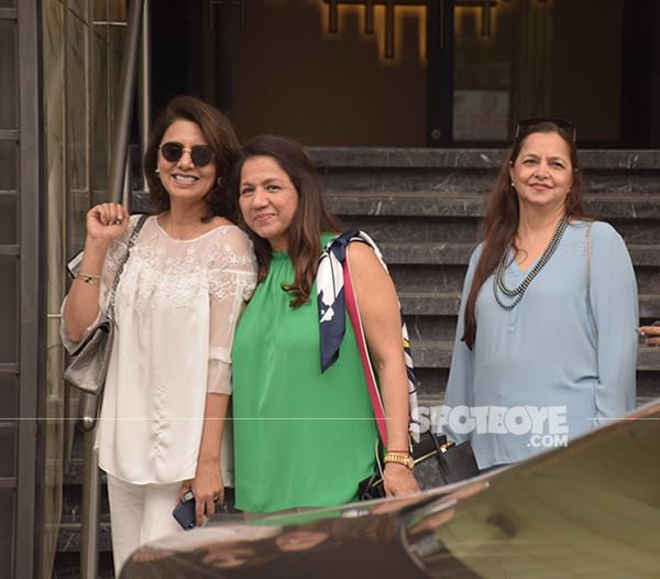 Neetu Kapoor With Her Close Friends