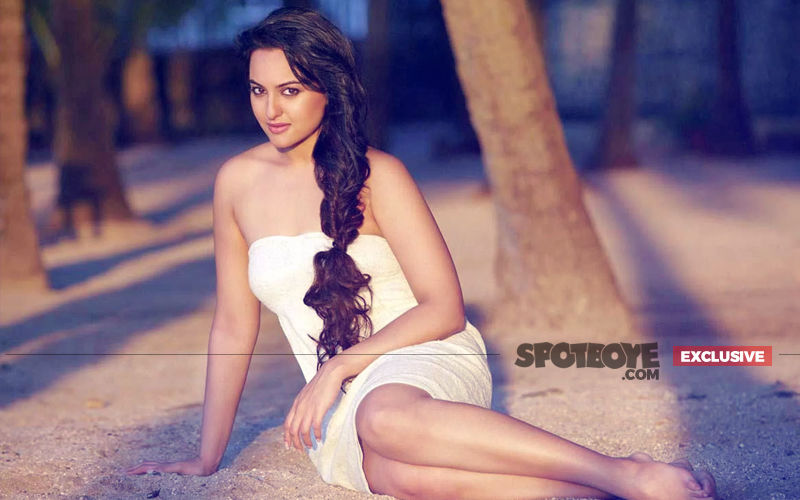 Salman's Favourite Girl Sonakshi Sinha Has A Special Track In Race 3 But...