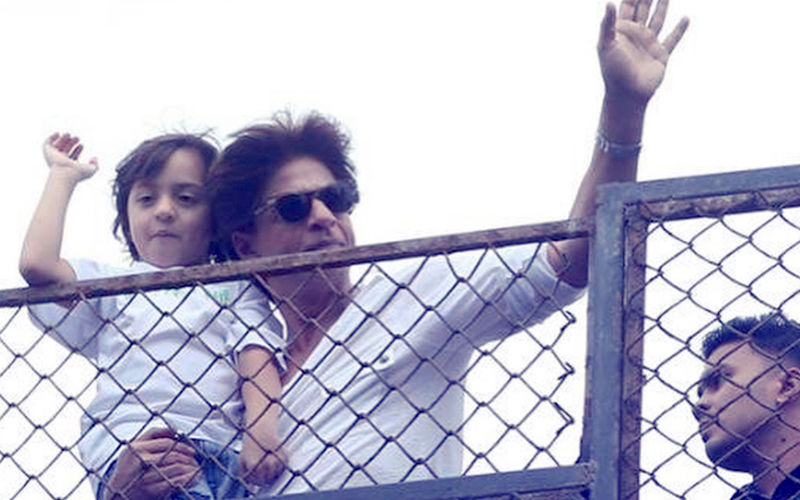 Shah Rukh Khan & AbRam Say Eid Mubarak To All, View Pic