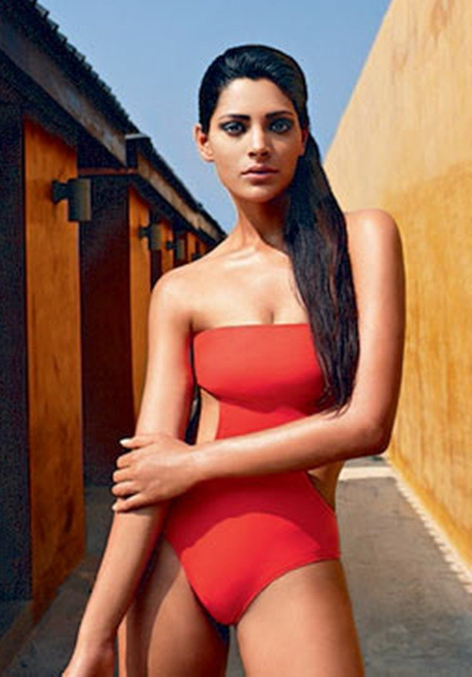 saiyami kher red swim suit