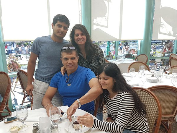 Sanjay Kohli And Family