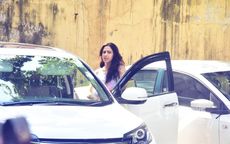 Sara Ali Khan Is A Spitting Image Of Her Mom Amrita Singh In These Pics