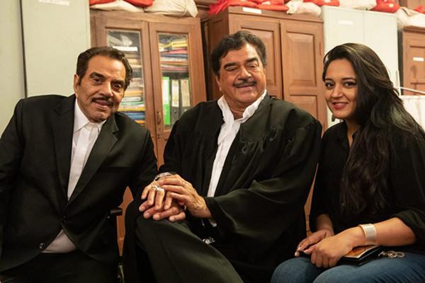 Shatrughan Sinha And Dharmendra On The Sets Of Yamla Pagla Deewana Phir Se