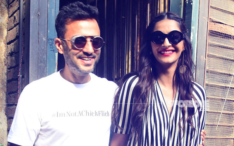 LOVE LUNCH: Sonam Kapoor & Anand Ahuja's Mushy Outing