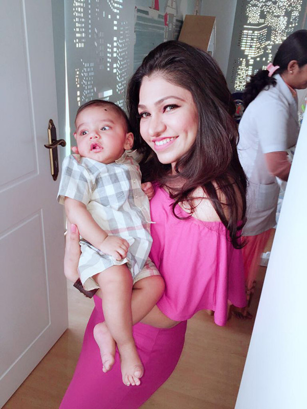 Tulsi Kumar And Baby Shivaay