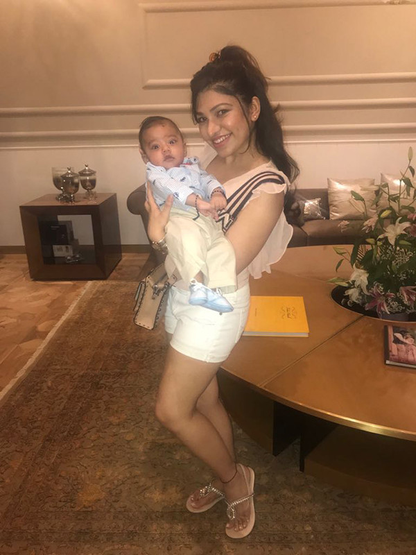 Tulsi Kumar With Her Baby Shivaay
