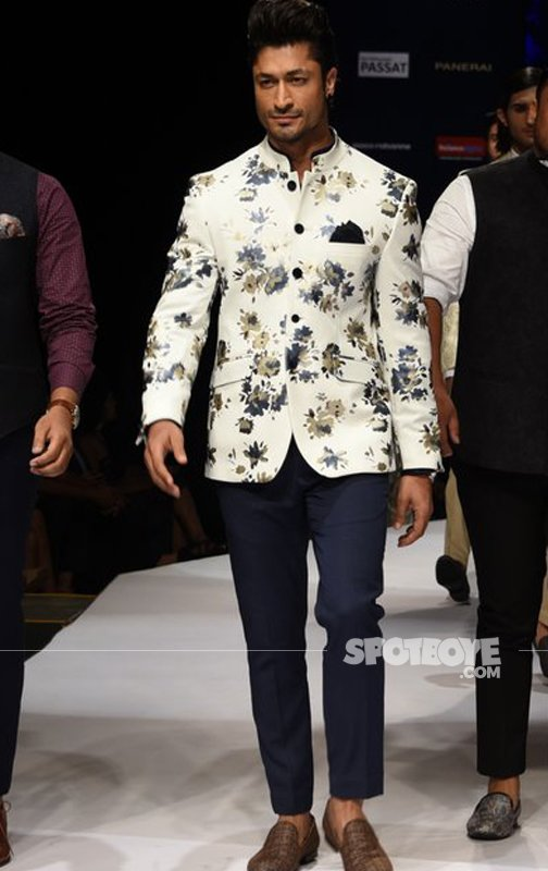 Vidyut Jammwal Walks The Ramp