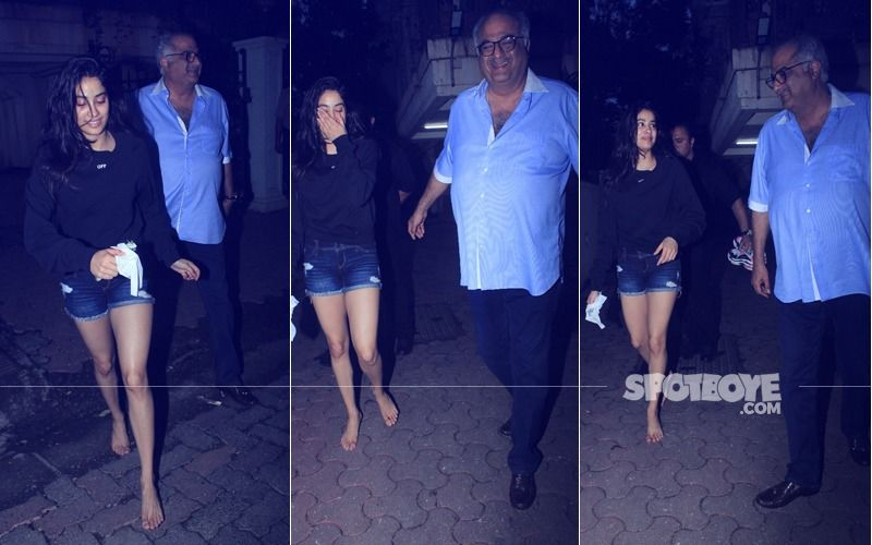 All Smiles: Janhvi & Boney Spotted Exiting Arjun Kapoor's House