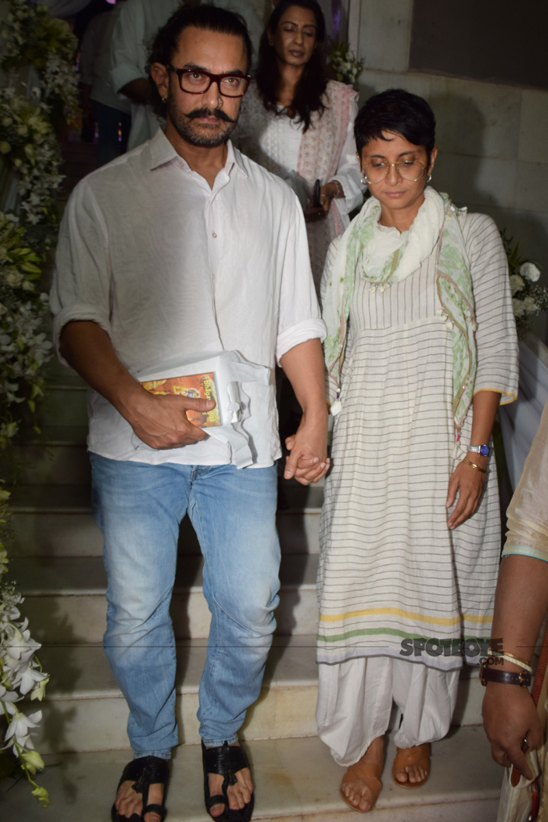 aamir khan kiran rao at ram mukerji prayer meet