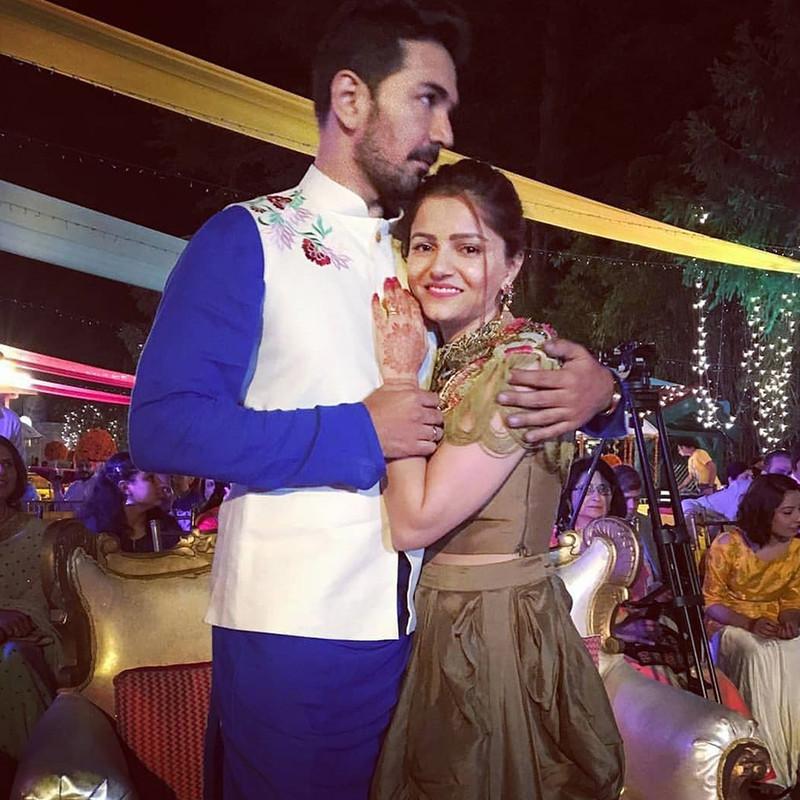 abhinav shukla and rubina dilaik share a cute moment