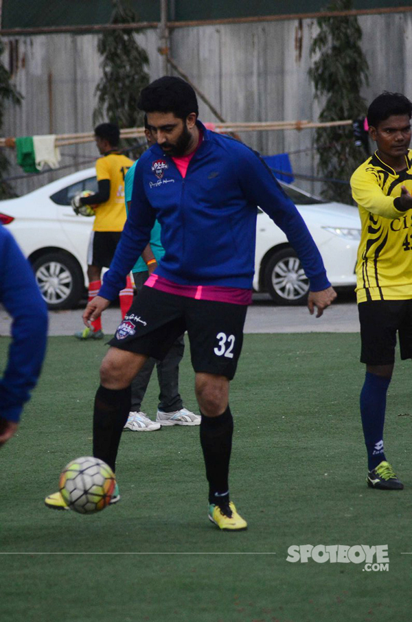 abhishek bachchan playing football