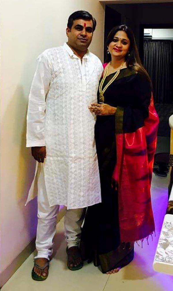 accused vikas sachdeva with wife divya sachdeva