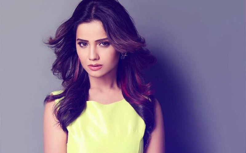Adaa Khan Shares Emotional Parting Message For Team Naagin