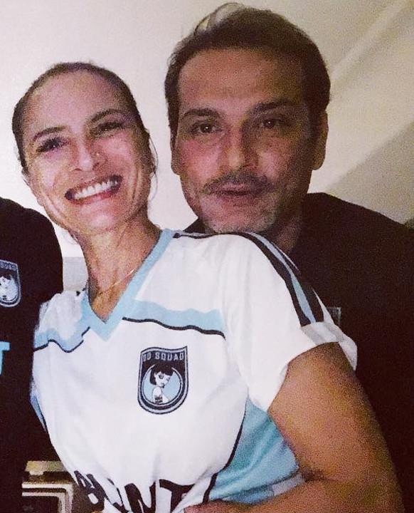 adhuna bhabhani and nicolo morea pose for a selfie