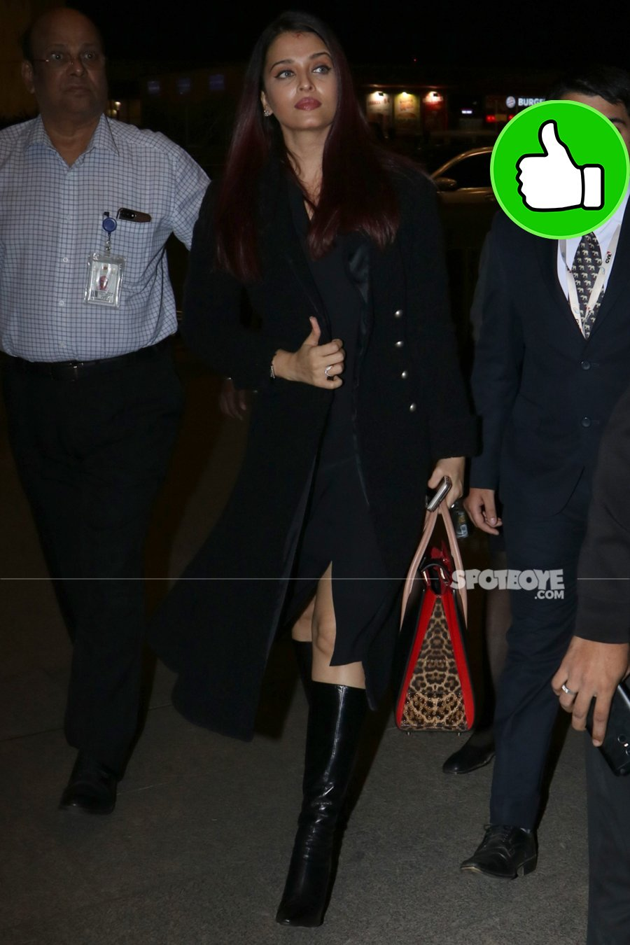 aishwarya rai bachchan at the airport