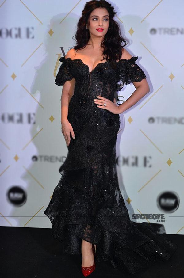 aishwarya rai bachchan at vogue beauty awards 2017