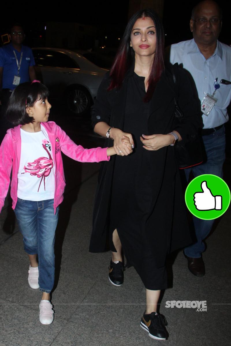 aishwarya rai with daughter aaradhya at the airport