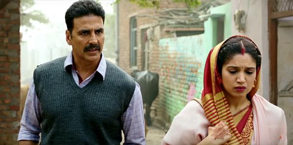 akshay kumar and bhumi pednekar in a post marriage still from toilet ek prem katha