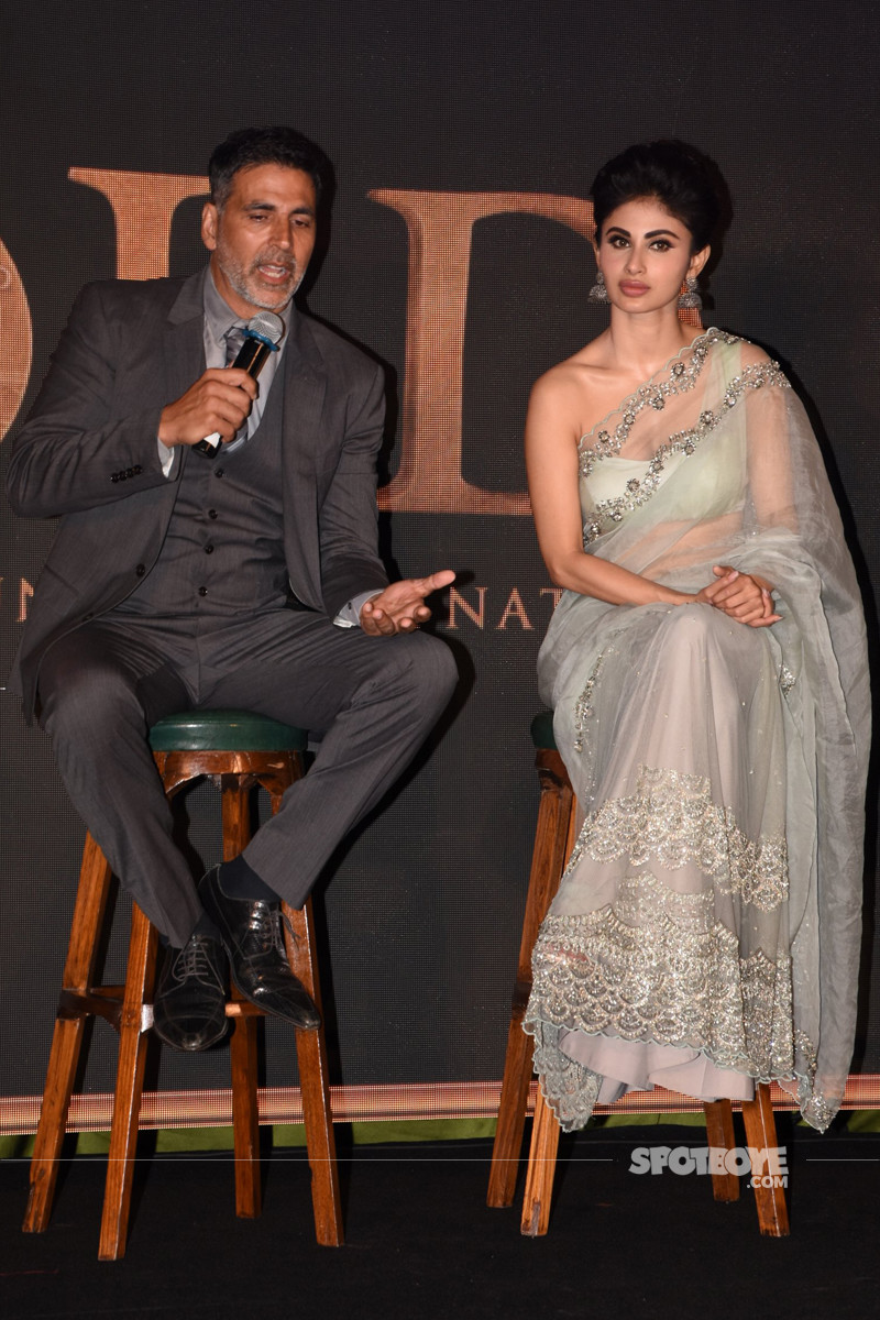 akshay kumar and mouni roy adress the media