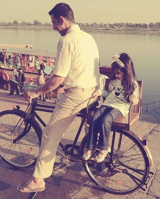 akshay kumar with daughter nitara