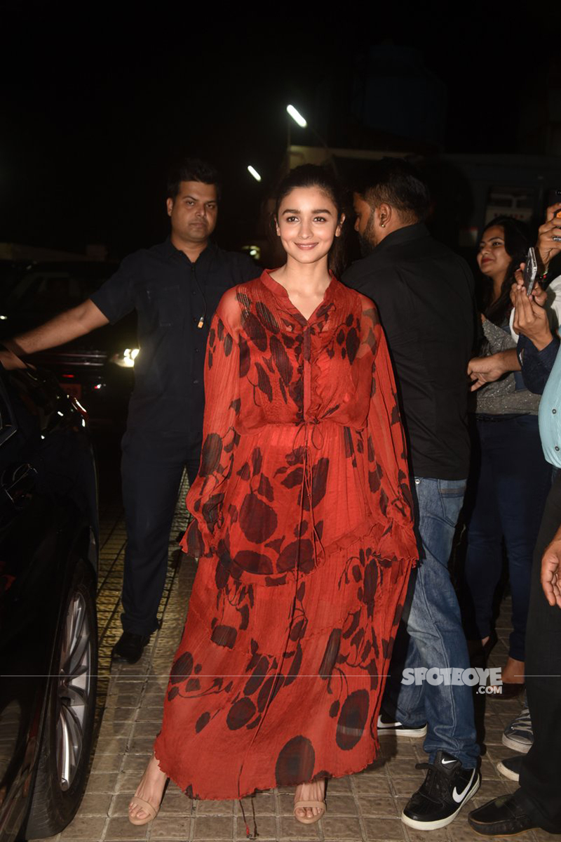 alia bhatt spotted at judwaa 2 special screening