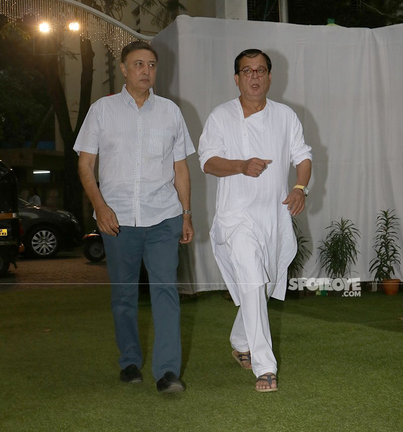 anang desai and rajeev mehta at neeraj vora s prayer meet