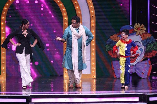 anurag ileana at the stage of super dancer