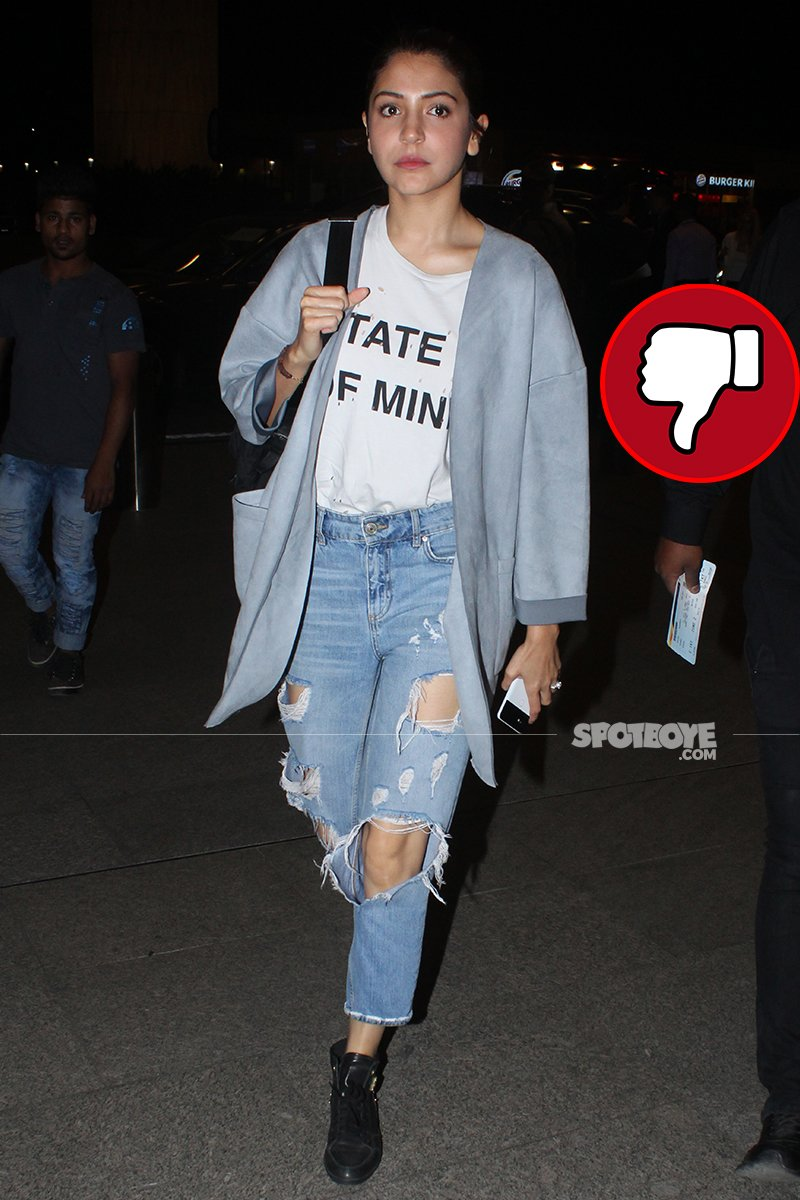 anushka sharma at the airport