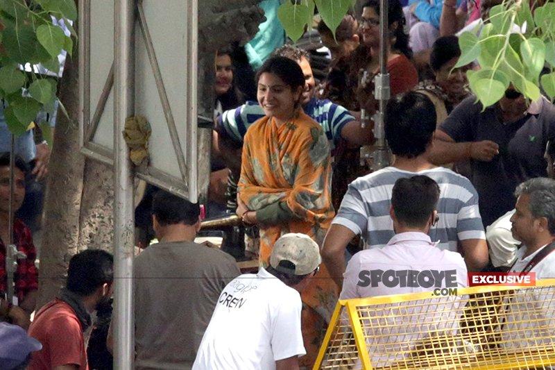anushka sharma shoots for sui dhaaga