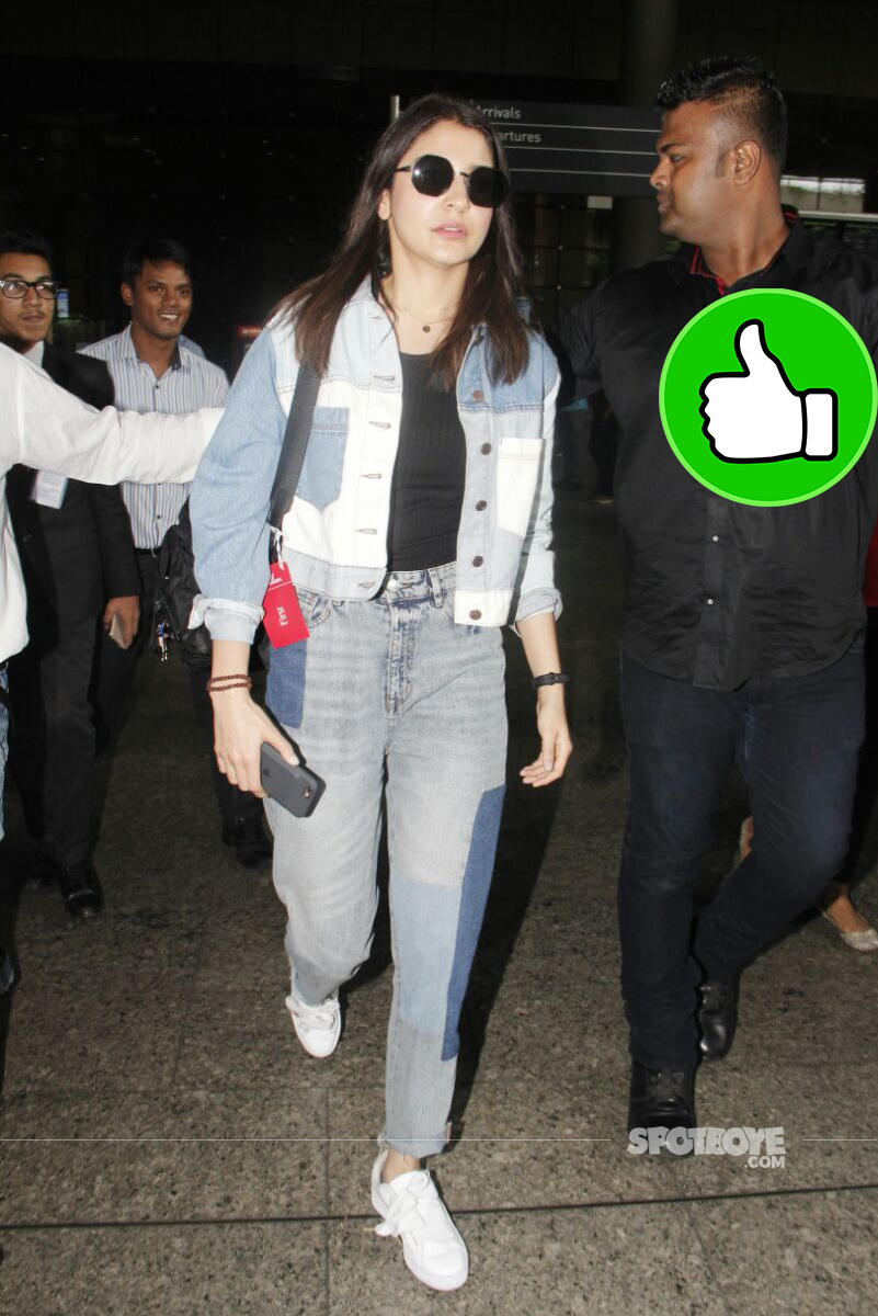 anushka sharma spotted at the airport