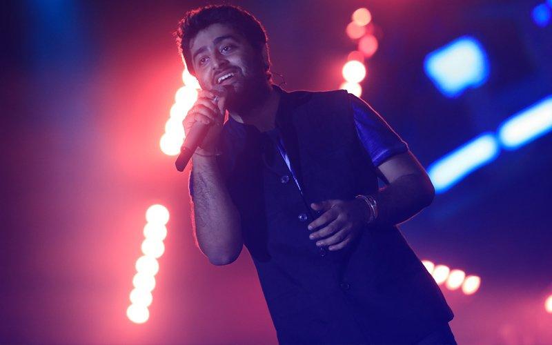 Arijit Singh Enthrals 20,000 Fans In Mumbai