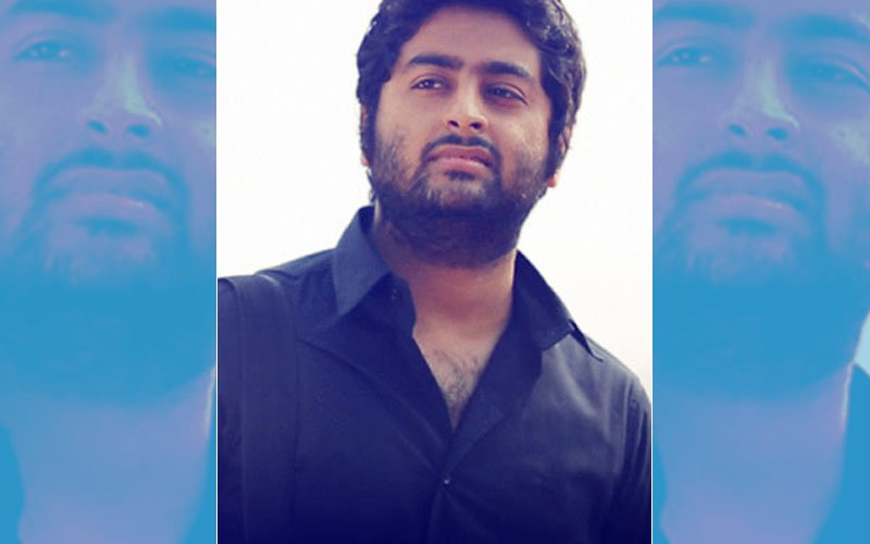"""Arijit Singh WARNS His Fan, """"Stay Out Of My Space"""""""
