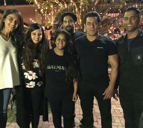 arpita khan ms dhoni and salman khan