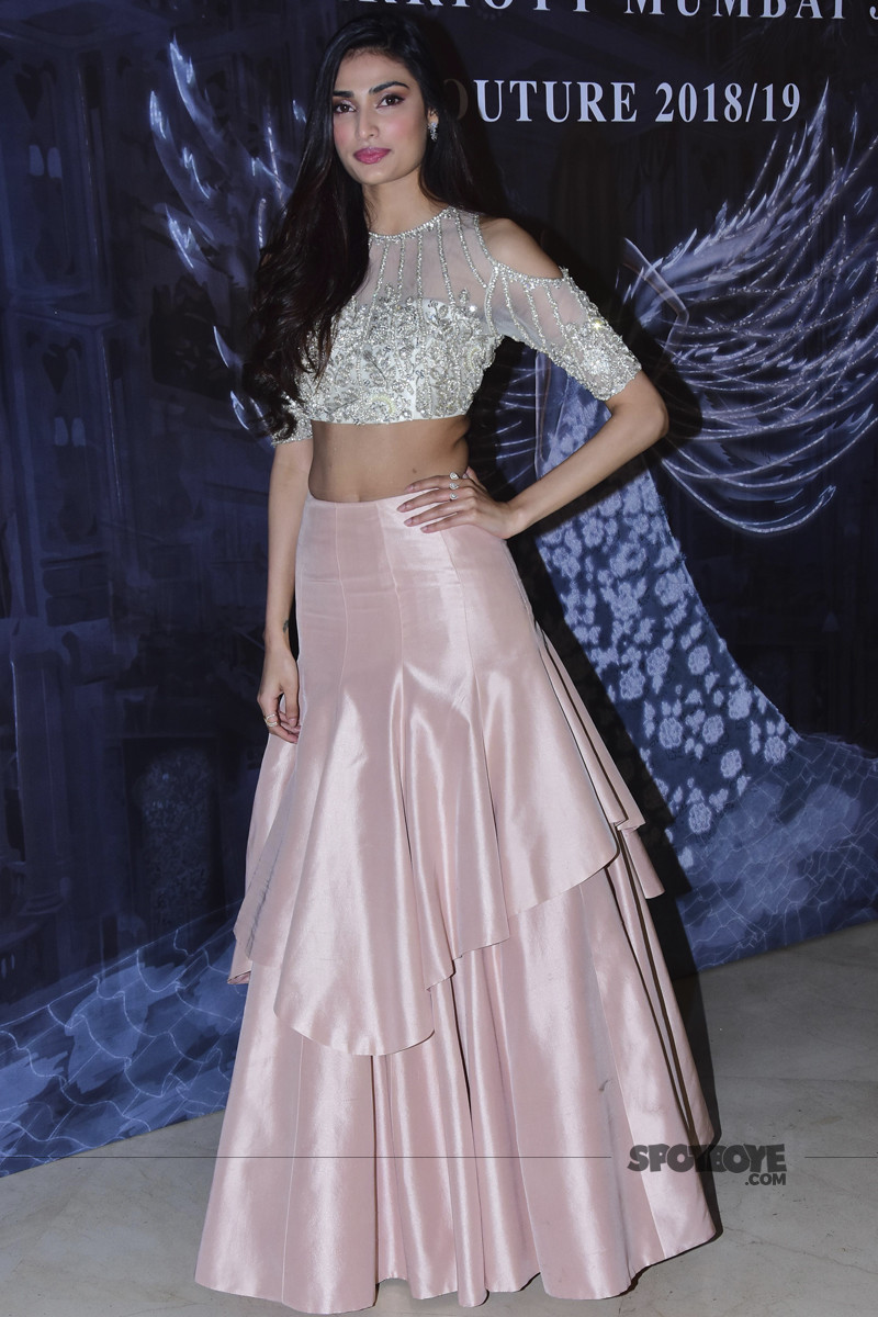 athiya shetty at manish malhotra show