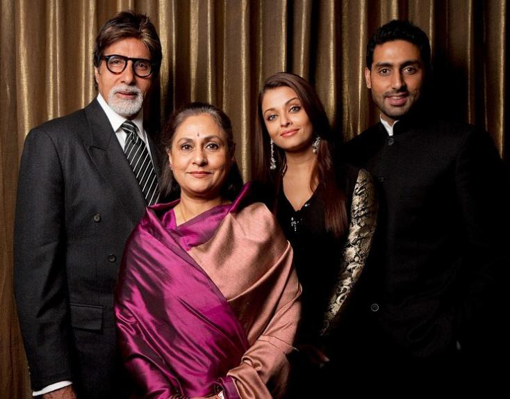 bachchans posing for a family picture