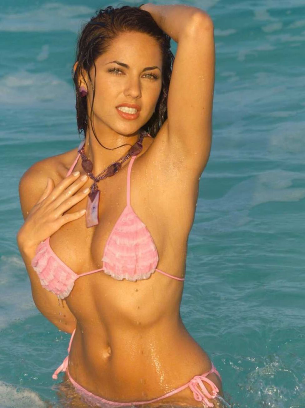 barbara mori looks hot in a bikini