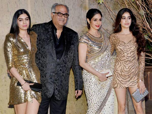 boney kapoor with sridevi and daughters janhvi and khushi