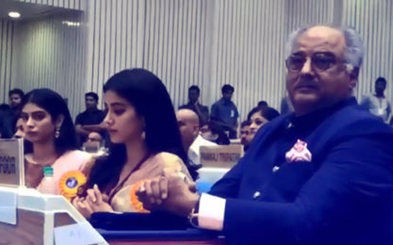 Boney Kapoor, Janhvi & Khushi Can't Hold Back Tears As They Collect Sridevi's National Award
